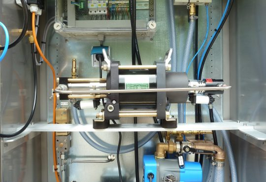 Armaturenprüfstand - interner Kompressor